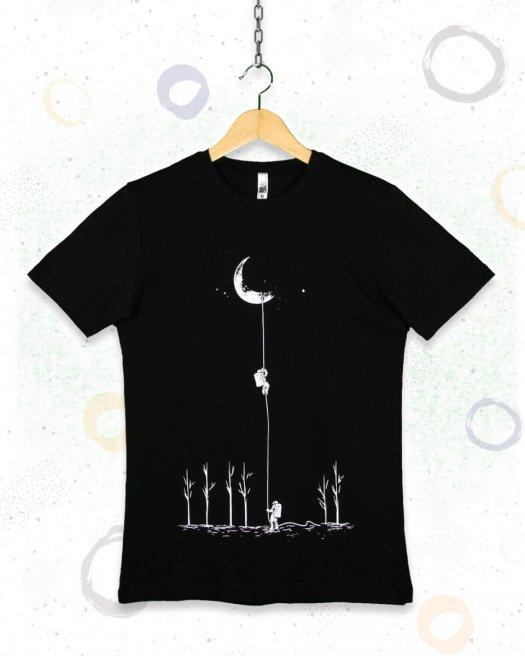 Aydan İnen Astronot Baskılı  Siyah Tişört