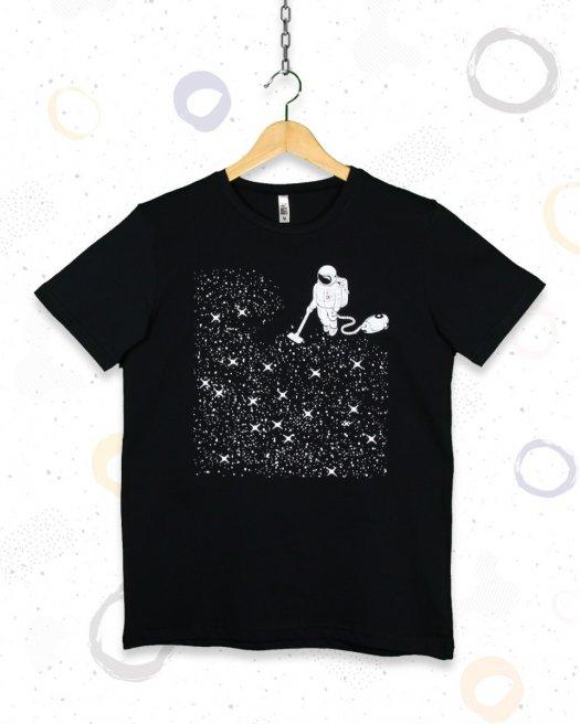 Süpüren Astronot Baskılı Siyah Tişört