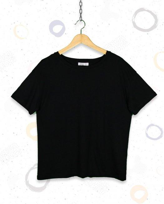 Geniş Yaka Basic Siyah Tişört Kadın