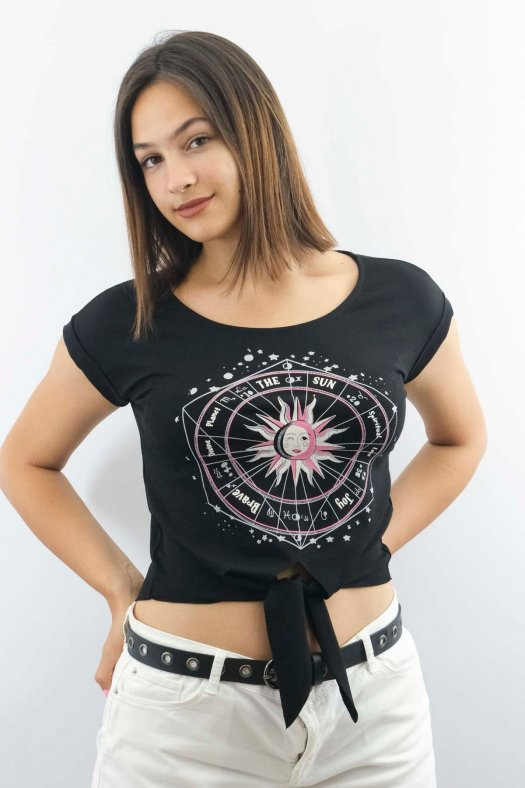 Burç Baskılı Bağlamalı Siyah Crop Tişört
