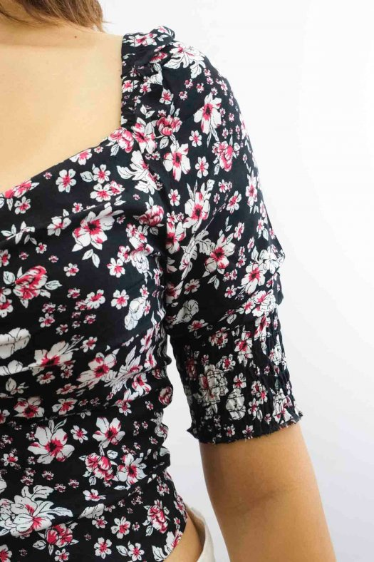 Çiçek Desenli Crop Bluz